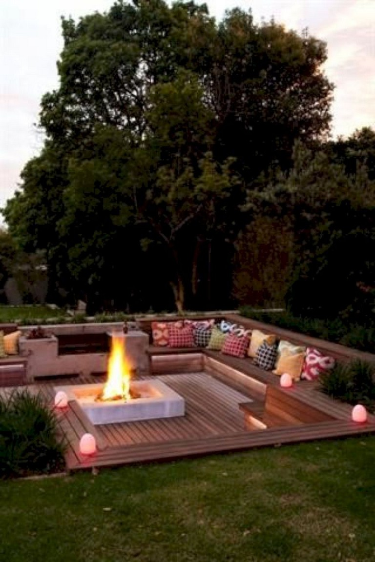 30+ Exciting Backyard Fire Pit Landscaping Ideas on A Budget