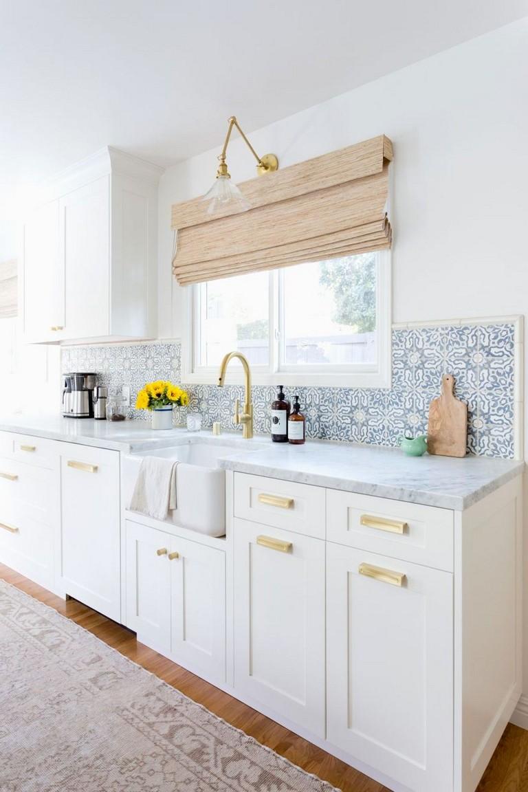 35+ Elegant White Kitchen Backsplash Design Ideas - Page ...